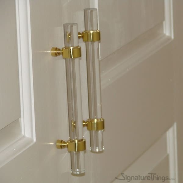 Drawing Room-Lucite pull