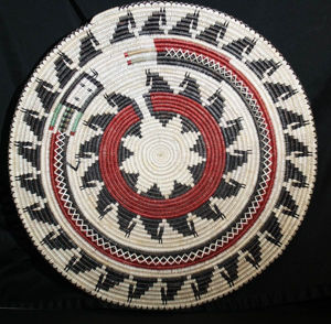 Navajo Horse basket - Navajo Crafts | Native American Arts | Native American Crafts For Sale | Navajo Pottery Ornaments | Native American Pottery | Native American Paintings | Navajo Sand Paintings | Authentic Native American Products | SignatureThings.com