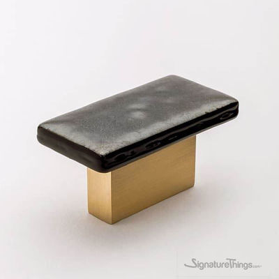 SignatureThings.com Brass Hardware Sietto skyline knobs and Pulls