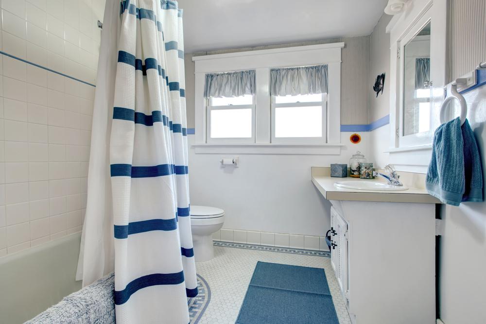 7 Quick And Easy Bathroom Decorating Ideas Signaturethings Com